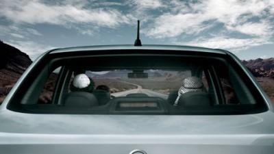Nissan Tiida - Vecini