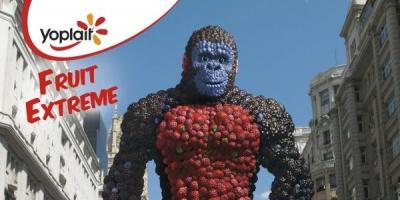 Fruit Kong, personajul creat de Saatchi & Saatchi pentru lansarea iaurturilor Yoplait Fruit Extreme