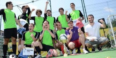 La Cupa Agentiilor la Fotbal Bergenbier 2011, Dumnezeu a fost blogger