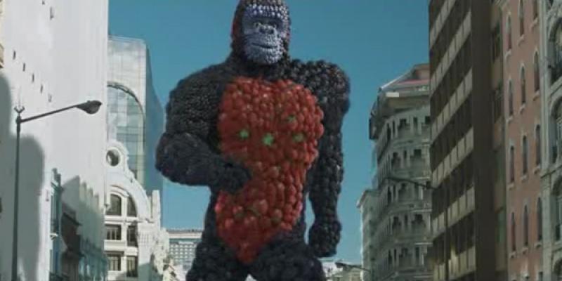 """Productie spot TV Yoplait - """"Fruit Kong"""": filmari - o zi, personaj 3D - o luna, intreg proiectul - 4 luni"""