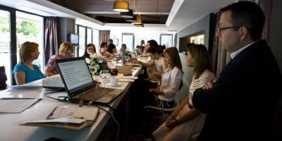 Media Fact Book: Cum a evoluat piata locala de media in 2010. Previziuni pentru 2011