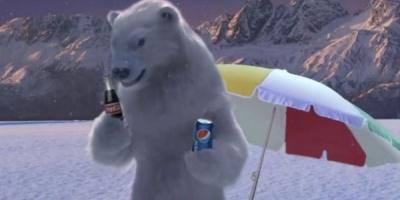 Vara, ursii polari migreaza de la Cola la Pepsi