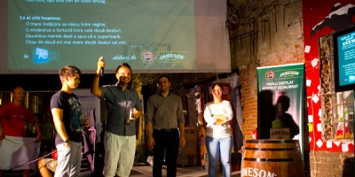 Jameson la ADfel: concurs de public speaking in irlandeza si whiskey mentoring session