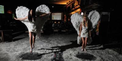 AXE Excite a facut ingerii sa cada in ispita la ADfel 2011