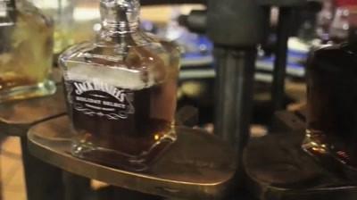 Making Of: Jack Daniel's - The Holiday Barrel Tree