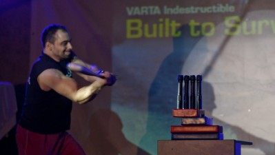 VARTA - Ion Oncescu la lansarea lanternei indestructibile VARTA, 1