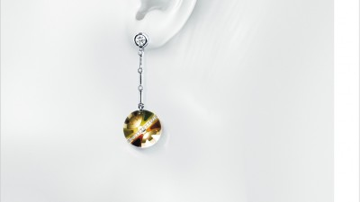 Bagues Jewellery - Earring on white