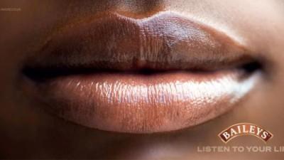 Baileys - Iconic lips