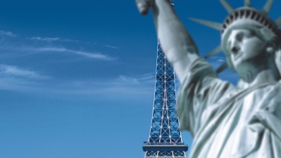 Canon - Statue of Liberty vs Eiffel Tower