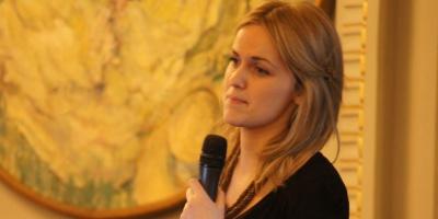 "Galvea Kelly (Social Media Strategist): ""Strategia ar trebui sa ghideze alegerea platformei de social media, nu invers"""