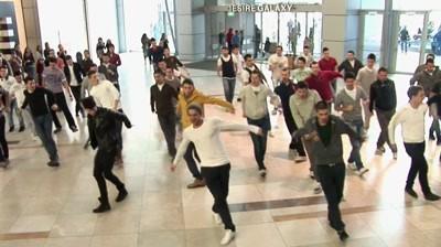 Redd's- Flashmob Complimente pentru fete, Bucuresti