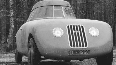 Audi - The Swan