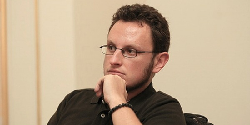 "[AdLife] Stefan Chiritescu: ""Am primit primul salariu de la Humanitas unde mai degraba am citit decat am vandut carti"""