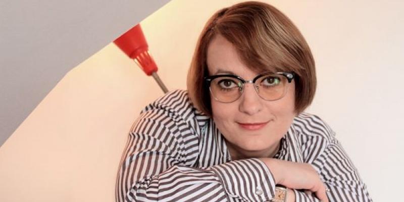 [AdLife] Ruxandra Petrescu: In paralel lucrez la invitatiile de nunta ale prietenilor. Cateodata, la intreg conceptul evenimentului.