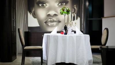 Mobexpert - Castiga o cina romantica de Valentine's Day
