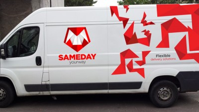 Sameday Courier - Branding masina 1