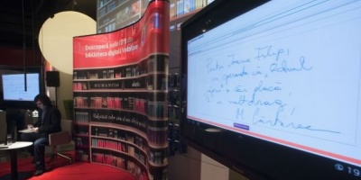 Biblioteca Digitala Vodafone s-a relansat printr-un eveniment la care Mircea Cartarescu a acordat autografe digitale
