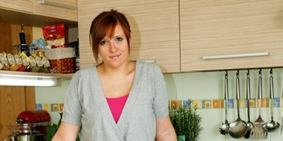 Dupa 6 ani de munca si peste 5 milioane de unici, prezentatoarea serialului de la Teo's Kitchen gazduieste propria emisiune TV