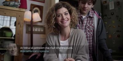 Prima initiativa de integrare a live tweeting-ului intr-o campanie ATL a Coca-Cola Romania