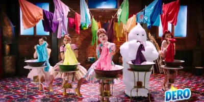 "Clabucel, mascota Dero, apare in videoclipul ""Apa"" al Loredanei"
