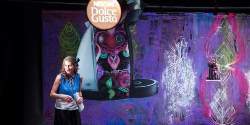 Teatru si culori la lansarea editiei limitate Nescafe Dolce Gusto by Custo Barcelona