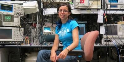 O lume de 100 de milioane de ori mai mica, explicata de Ileana Rau (IBM Almaden)