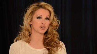 PETA - I'd rather go naked than wear fur (Miss USA)