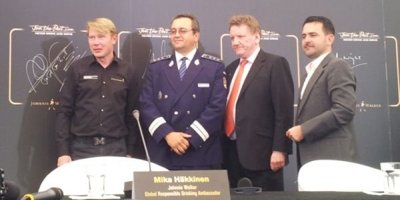 Johnnie Walker l-a adus pe Mika Hakkinen in Romania pentru promovarea consumului responsabil de alcool
