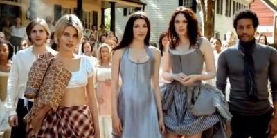 Un moment din istoria americana reconstituit in stil italian
