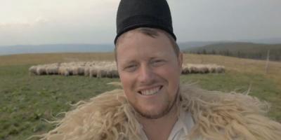 Ciobanul Ghita - unul dintre romanii cu initiativa din noua campanie Vodafone