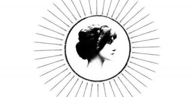 Formula eternului feminin, in mini-seria Chanel