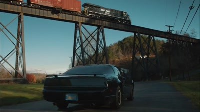 General Electric - Knight Rider and the Locomotive