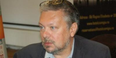 Mihail Siskin: Scriitorul care va face cititorii sa planga cu un roman compus din SMS-uri va fi mai genial ca Tolstoi