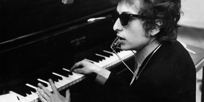 Like a Rolling Stone cu Bob Dylan si toti oamenii de la televizor