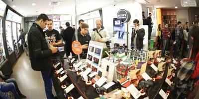 Black Friday pentru F64: Aproape 15.000 de produse comandate, cu 75% mai multe decat in 2012