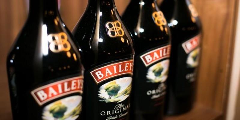 Un nou design de sticla pentru Baileys