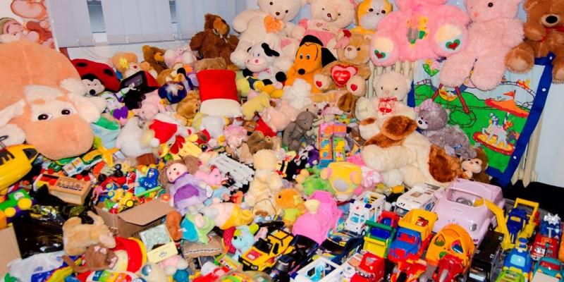 8.000 de jucarii au fost colectate de Autovit.ro si Carrefour pentru copiii defavorizati