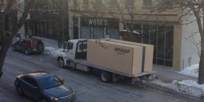 Mica poveste a celei mai mari cutii Amazon