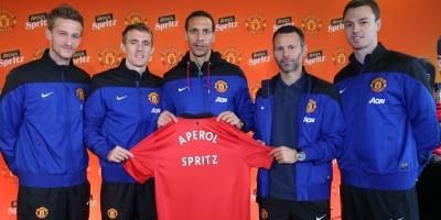 Aperol incheie un parteneriat global cu Manchester United