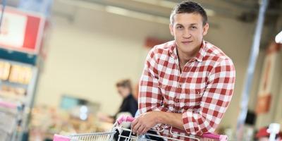 Barbatii in lumea femeilor: la cumparaturi