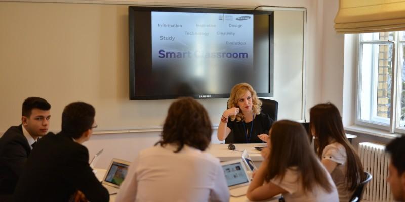 Samsung si Ministerul Educatiei inaugureaza doua noi clase Smart