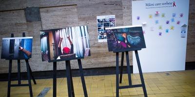 """O zi din viata ei"", campanie-document despre viata femeilor seropozitive, semnata de Rogalski Damaschin"