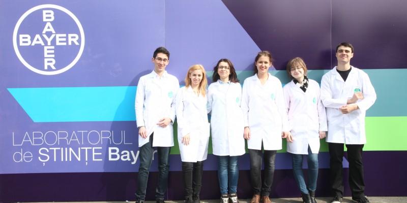 """Bayer participa la Scoala Altfel cu """"Laboratorul de Stiinte Bayer"""""""