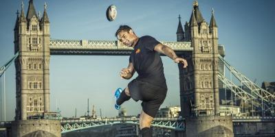 Dan Carter a incheiat un parteneriat cu MasterCard pentru Cupa Mondiala de Rugby din 2015