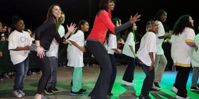 "Cum sa promovezi restrictii alimentare si efort sustinut - ""Let's Move!"" by Michelle Obama"