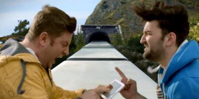 Pavel Bartos si Smiley se iau dupa Thor, intr-o campanie Romtelecom semnata GMP Advertising
