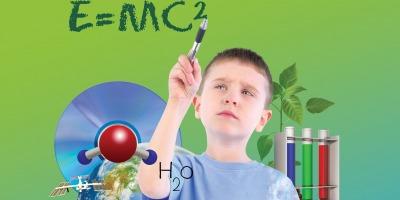 """Proiectul Bayer """"Laboratorul de stiinte"""" ofera elevilor posibilitatea sa participe la experimente practice"""