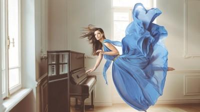 AVON Zero Gravity - Antonia