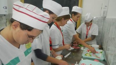 Servicii vocationale pentru copiii si tinerii cu surdocecitate si deficiente senzoriale multiple, intr-un proiect sprijinit de Fundatia Orange
