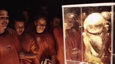 Danis Tanovic semneaza un documentar pentru #CupaTuturor, campania Coca-Cola prilejuita de FIFA 2014